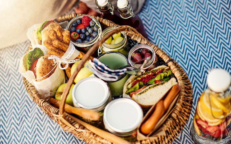 iStock-1045376940-areaverde-picnic
